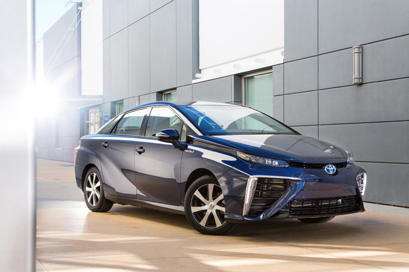 Toyota-Fuel-Cell-Vehicle-edited.